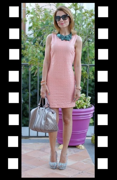 LOOK DO DIA_Inspiração do dia_look de trabalho_vestido rose com maxi colar azul