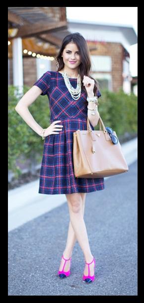 Look do dia_ Inspiração do dia_look de trabalho_Vestido xadrez azul e rosa
