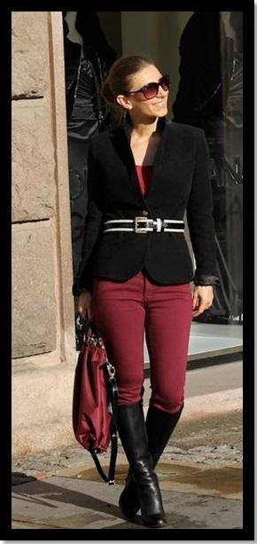 Look do dia_look para trabalhar_look de trabalho inverno_bota preta cano alto_skinny burgundy_blazer preto