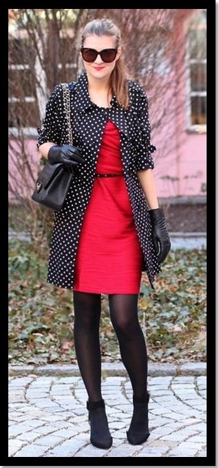look de trabalho_look de inspiração_look do dia_moda para trabalhar_vestido vermelho_meia calça preta_casaco de poa