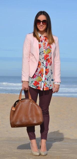 Inspiração do dia_skinny no trabalho_blazer rosa_camisa estampada floral_sapato nude_look para o trabalho