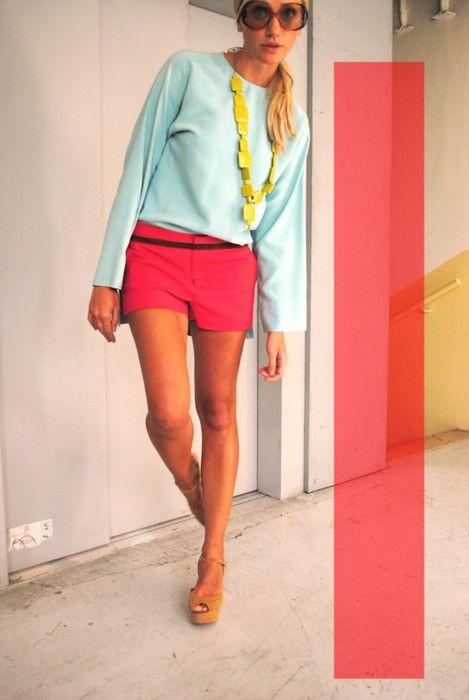 25. Looks coloridos_como combinar peças coloridas_como usar combinação de cores_colored outfits_9